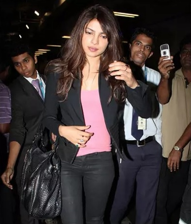 03 Priyanka Chopra No Makeup